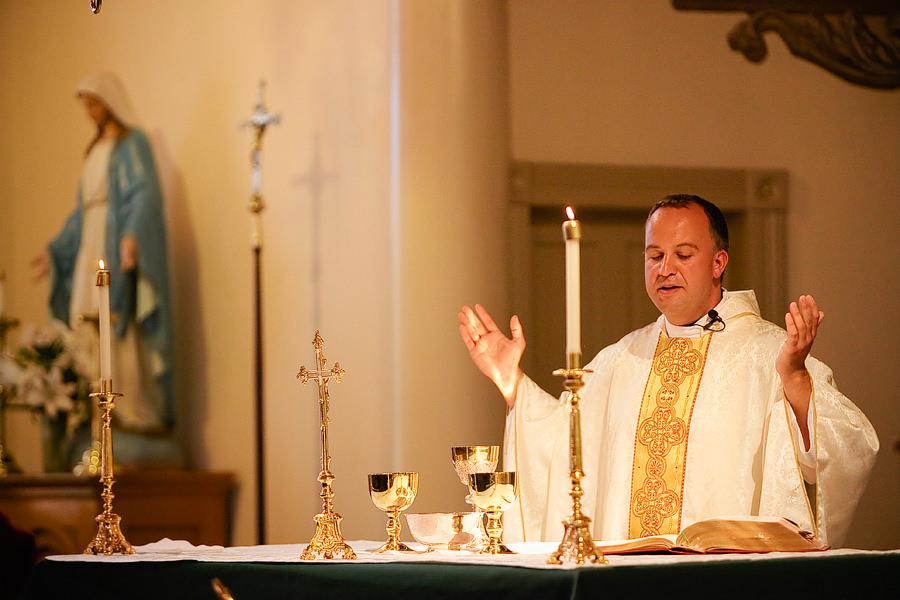 St Patrick's Cathedral Church Wedding Photos and University Club of Portland Wedding Photos (14)